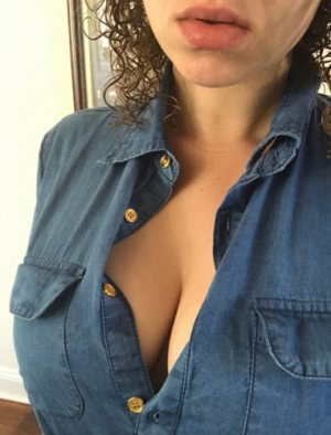 Branca erotic massage in Newton North Carolina