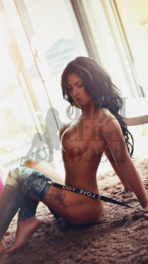 Illyana tranny escorts & thai massage